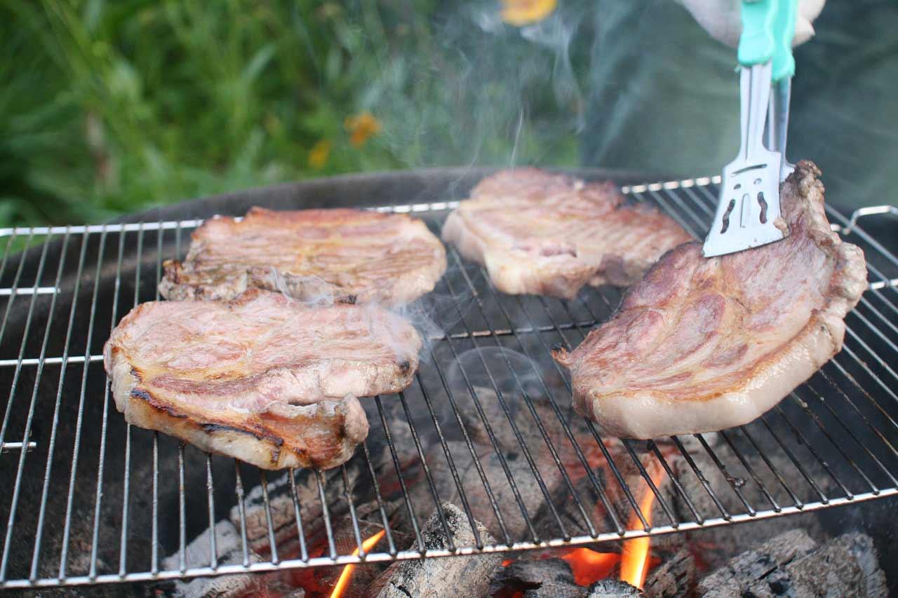 grillade de côtes de porc viande rouge