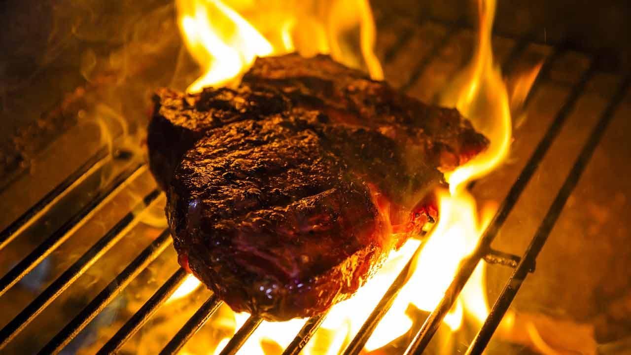 viande-barbecue-charbon